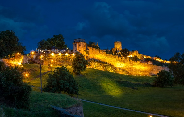 Picture greens, grass, trees, night, lights, wall, the descent, slope, hill, tower, fortress, Serbia, Belgrade Fortress