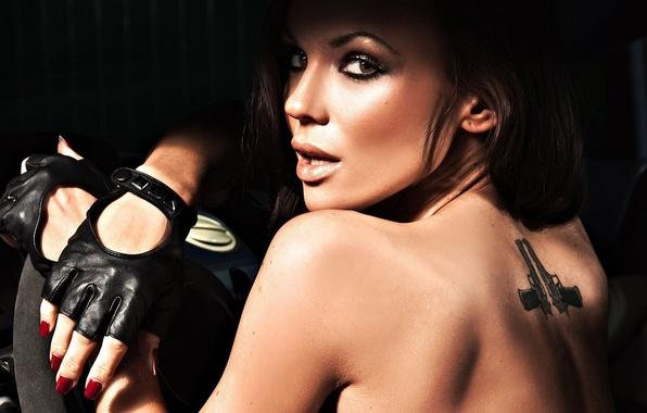 Picture machine, girl, tattoo, the wheel, lips, tattoo, gloves, salon, usgau, pestle