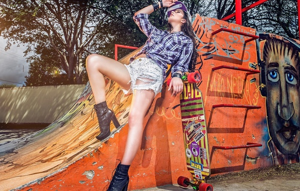 Picture style, feet, shorts, skateboard, ramp, Thais Silva