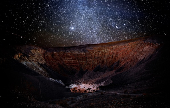 Picture night, stars, canyon