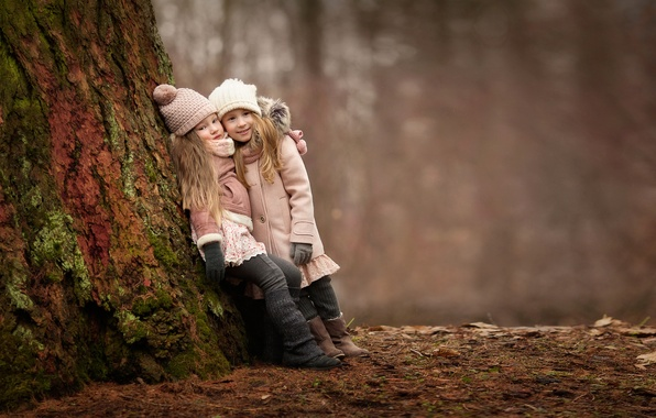 Picture forest, joy, children, mood, girls, meeting, girlfriend