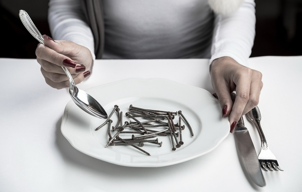Picture plate, spoon, plug, nails