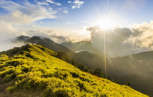 Picture greens, clouds, mountains, people, hills, height, Sunny