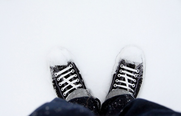 Picture snow, shoes, sneakers