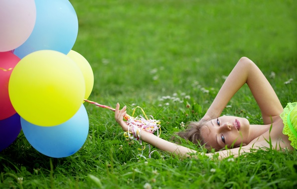 Picture grass, girl, balloons, clover, brown hair, blue-eyed