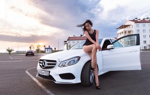 Picture machine, girl, pose, Mercedes-Benz, white, legs, beautiful, car, Mercedes, Model, Girls, posing, ladyCar, auto-girl