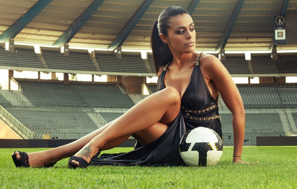 Picture sexy, football, stadium, football, the girl with the ball