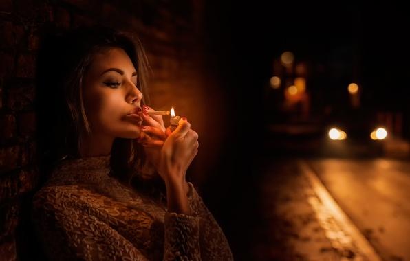 Picture girl, night, the city, cigarette