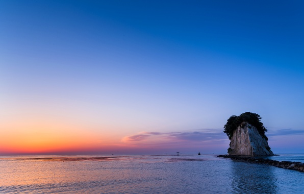 Picture sea, the sky, rock, the evening, tide