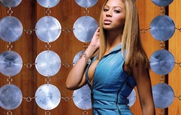 Picture look, background, blue, hair, makeup, dress, Beyonce Knowles, bracelet, singer, drives
