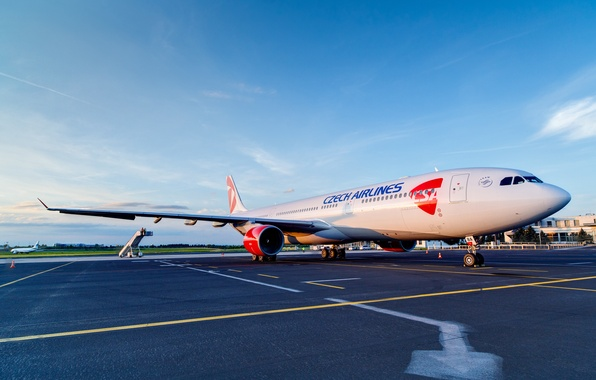 Picture The sky, Weather, Czech Republic, Airport, Engine, Sky, 300, Airlines, Airplane, The plane, Passenger, Airbus, ...