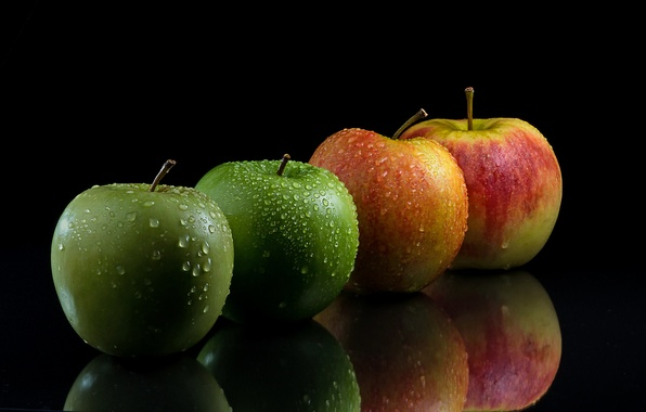 Picture drops, apples, black background