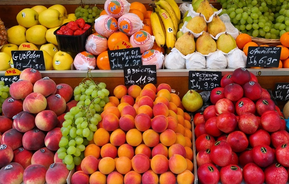Picture round, apples, food, oranges, strawberry, grapes, bananas, fruit, peaches, pear, year, it, market, fresh, showcase, …