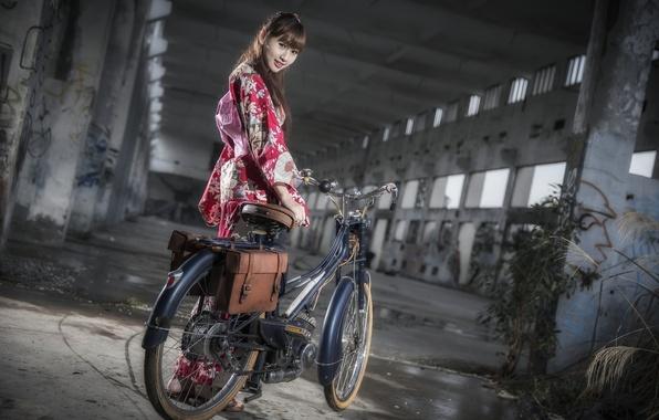Picture girl, bike, Asian
