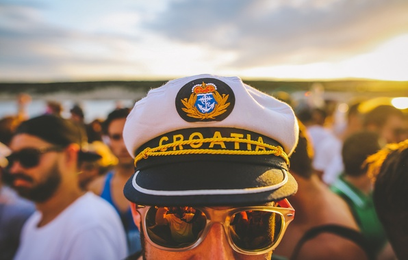 Picture sunset, lake, reflection, people, boat, hat, mirror, glasses, male, party