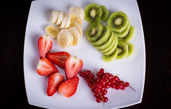 Picture berries, kiwi, strawberry, plate, fruit, banana, fresh, dessert, currants, fruits, berries, fruit salad