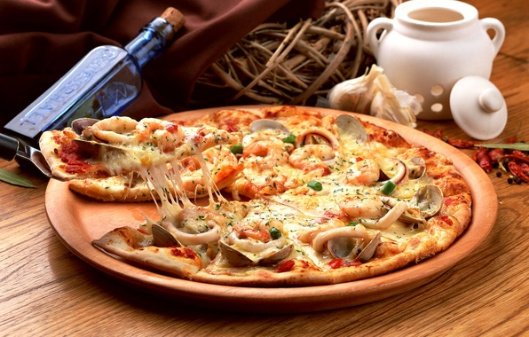 Picture bottle, basket, pizza, pizza, dish, seafood, spices, mussels, squid