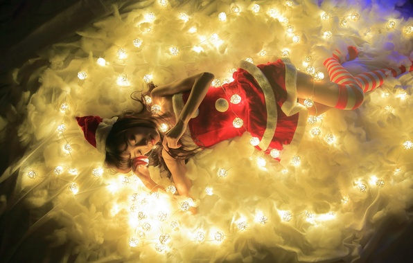 Picture girl, light, lights, holiday, lies, Asian, garland