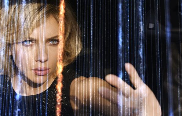 Picture girl, hand, Scarlett Johansson, Scarlett Johansson, Lucy, Lucy