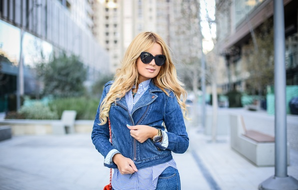 Picture summer, style, jeans, glasses, beauty