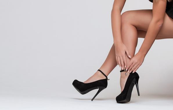 Picture girl, hands, heels, legs, trinket