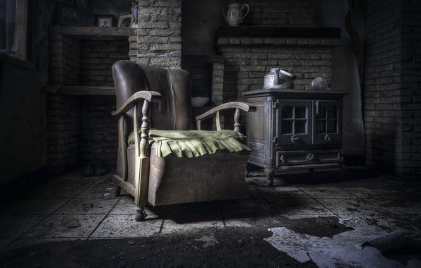 Picture room, chair, kettle
