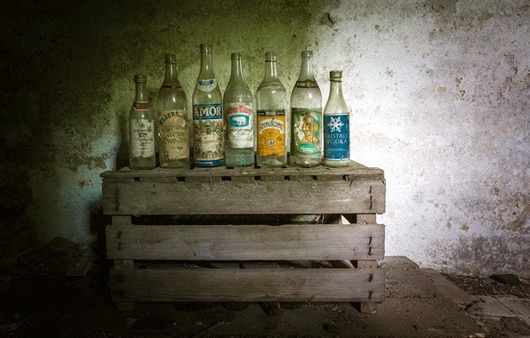 Picture background, bottle, box