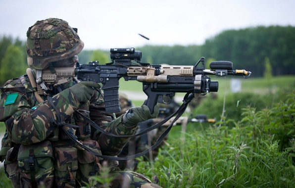 Picture weapons, soldiers, shooting, Royal Netherlands Army