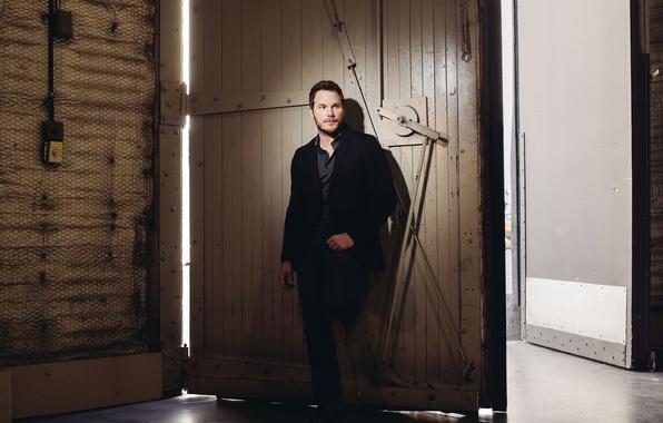 Picture the building, gate, photographer, costume, actor, photoshoot, Chris Pratt, for the film, Jurassic world, Jurassic …