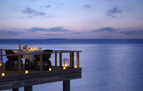 Picture mood, the ocean, wine, the evening, candles, super, dinner