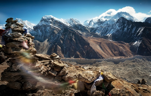Picture the sky, mountains, stones, rocks, the wind, Tibet, the spirit of Tibet