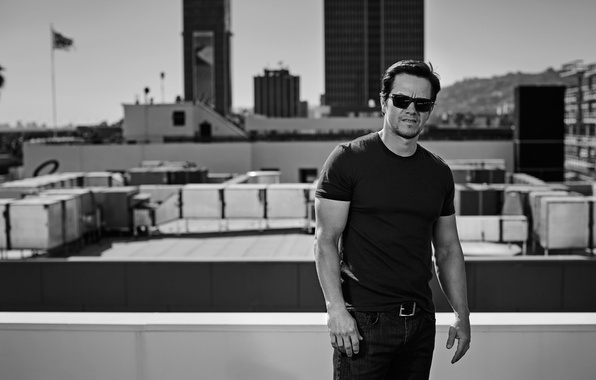 Picture roof, jeans, glasses, t-shirt, actor, black and white, journal, Mark Wahlberg, Mark Wahlberg, Patrik Giardino, …
