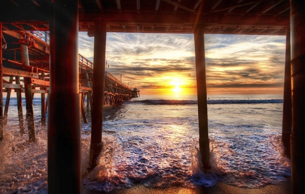 Picture sunset, California, Under the Docks