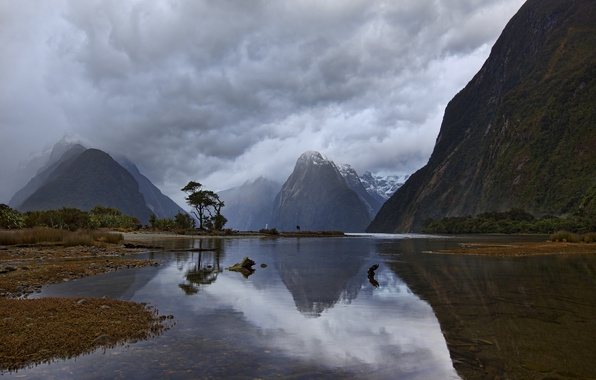 Picture the sky, mountains, clouds, morning, New Zealand, the fjord, Milford Sound, South Island, Piopiotahi