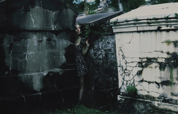 Picture girl, cemetery, crypts