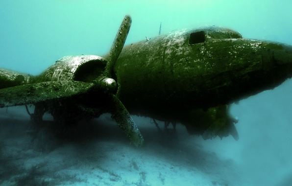 Picture the wreckage, aviation, the crash, the plane, under water