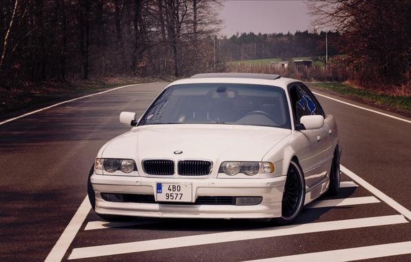 Picture road, lights, White, BMW, Boomer, BMW, before, White, E38, bimmer, 740i