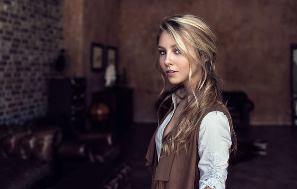 Picture girl, room, portrait, curls, Little Wanderer, Maxim Guselnikov