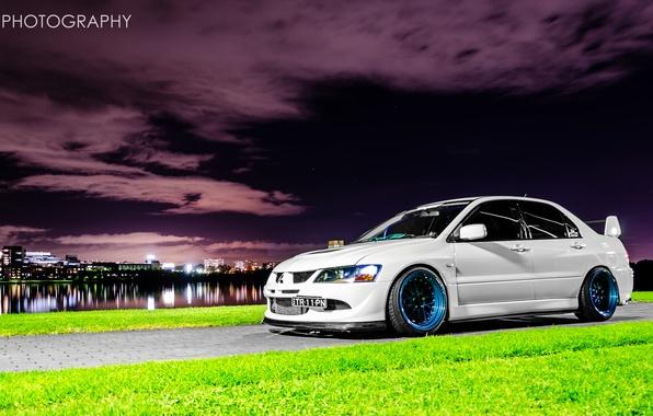 Picture white, night, the city, Mitsubishi, Lancer, Evolution, Lancer, Mitsubishi