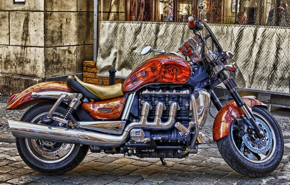 Picture tuning, motorcycle, British, colors, Triumph Rocket III, 3-liter, with a three-cylinder engine and a displacement …