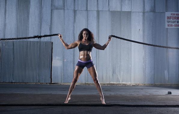 Picture pose, female, ropes, bodybuilder