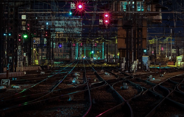 Picture railroad, traffic lights, power lines, train station