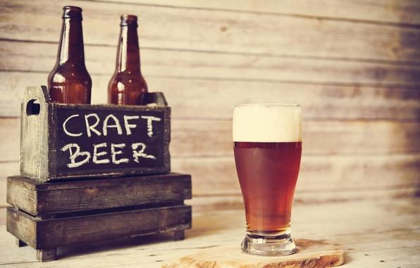 Picture glass, wood, beer, bottles, beer crate