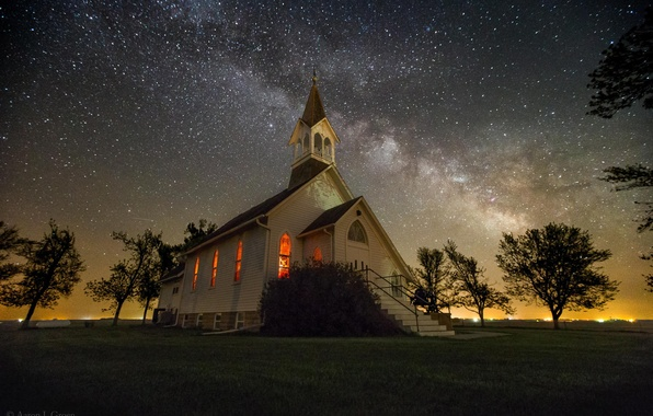 Picture the sky, stars, Church, the milky way