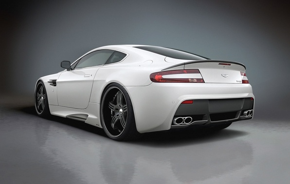 Picture white, Aston, martin