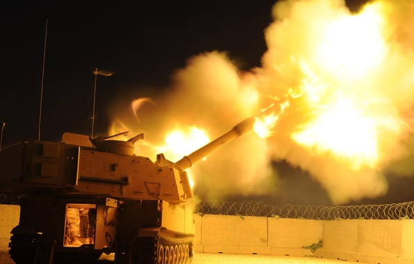 Picture flame, volley, m109a2, self-propelled, artillery