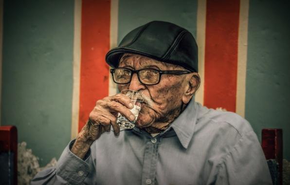 Picture the old man, cap, vodka