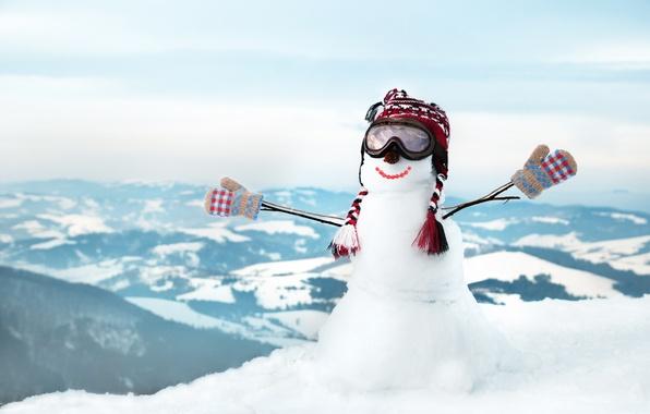 Picture winter, snow, smile, hills, hat, glasses, snowman, mittens