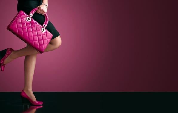 Picture fashion, legs, heels, purse