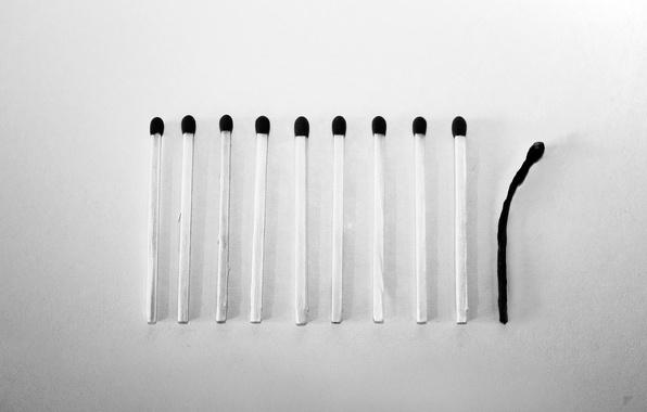 Picture matches, b/W, by Robin de Blanche, Mismatch